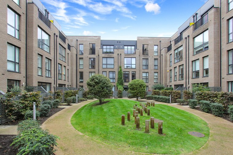 2 Bedroom Apartment to rent in Central London - Bermondsey ...